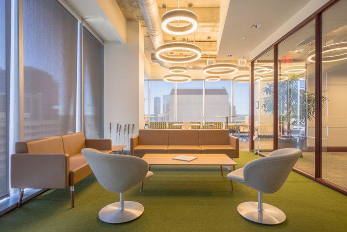 Tầm quan trọng của thiết kế văn phòng với mối quan hệ khách hàng