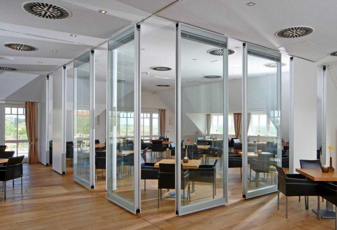 Ứng dụng của vách ngăn kính trong phòng làm việc mở-1