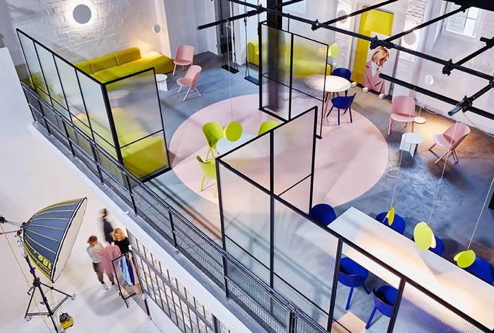 Thiết kế không gian làm việc với nội thất đơn giản