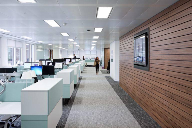 Thiết kế văn phòng phù hợp với công nghệ cao-1