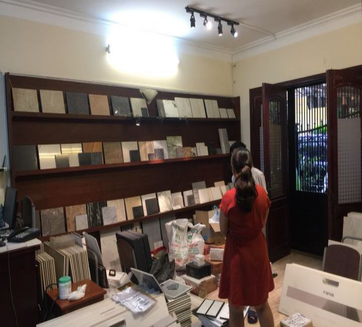 Thiết kế showroom trưng bày gạch công ty Phương Chi